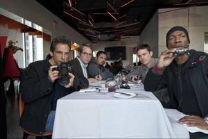 Ben Stiller (till vänster) och Eddie Murphy (till höger) planerar miljonstöten mot sin forna arbetsplats.