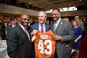 Republikanen George W Bush är den president som gjort de största insatserna för att förbättra fattiga amerikaner och minoriteters livsvilkor.