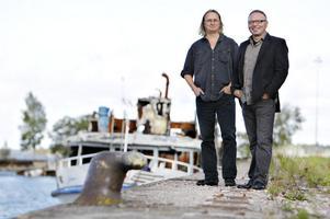 Hans Rosén är basist i grunden och Igor Knez är från början skolad i klassisk gitarr.