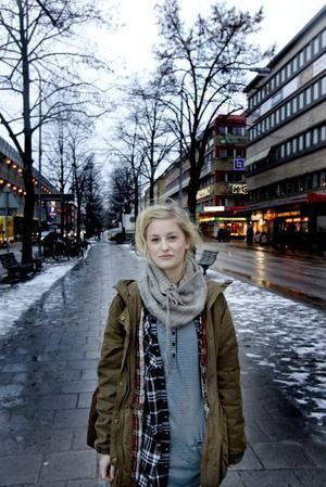 """ENSAM ÄR STARK. Det var inte enbart för att Ida Leidermark gillar utmaningar och äventyr, utan för att hon inte visste bättre, när hon reste ensam till Indien tidigare i år. """"Jag ångrar mig inte, men hade jag vetat det jag vet i dag då, hade jag inte rest ensam"""".  Foto: Håkan Selén"""
