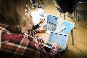 Till våren är tanken att molntjänster ska börja användas i skolan i Sollefteå. Beslutet är redan fattat och politikerna ser ingen anledning till oro.