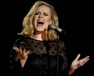 På fredag sjunger Adele på ett utsålt Tele2 Arena i Stockholm.