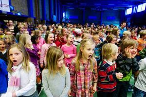 Alla kom till sporthallen för att fira Zebastian Modins OS-brons. Hyllningarna blev stundtals väldigt höga.