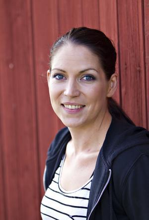 Katarina Borbos anser att tv-serien är vinklad för att skapa en konflikt son enligt henne inte finns.
