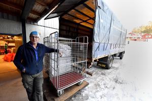 Rolf Eriksson hämtar tillbaka de linne som nu Idre Fjäll hämtar från en annan kommun.