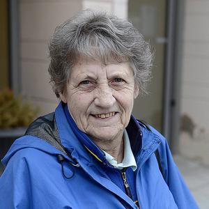 Margareta Ekholm, 72 år, pensionär Sundsvall   – Det är lite tomt på torget, mer liv och rörelse och fler marknadsstånd.