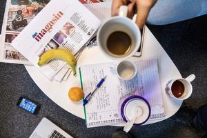 Det blir många möten när en ny tidning ska planeras.