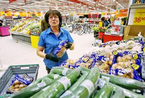 Försäljningen av frukt och grönt har ökat konstaterar Ann-Marie Björk.