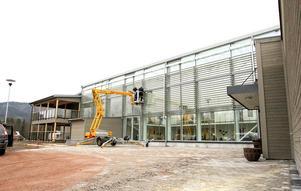 Det pågår fortfarande arbete på Nyviksvägen, och planen är att all äldreomsorg i Hammarstrand ska vara samlad här i oktober nästa år.