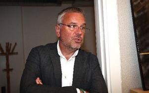 Sture Ericsson, VD stiftelsen för Teknikdalen, tvingas säga upp två anställda på Boom Town efter beskedet från regionala EU-kommittén.– Stiftelsen har inga finansiella muskler att finansiera de anställdas löner, säger han