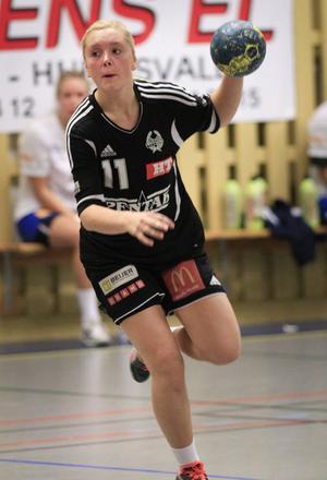 Ida Skoglund på genombrottsförsök i segermatchen mot Tumba i november i fjol.