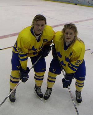 Klara Myren och Cecila Östberg från Leksand är uttagna till damkronorna som spelar den 2-8 september i Canada. Foto: Sven-Åke Östberg