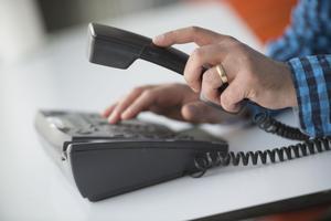 Telia höjer sin taxa med 24 procent för fast telefoni.