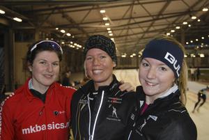 En glad trio på SM-pallen Eva Lagrange, guld, Johanna Östlund, silver och Amanda Hallberg, brons.