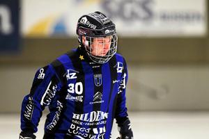 18-årige Oscar Qvist fick hoppa in i backlinjen och stod för en stark insats.