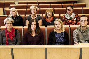 Sju fackförbund har ifrågasatt sättet sparförslagen på Slotte tagits fram. På bilden syns representanter från fem av förbunden (representanter från Akademikerförbundet SSR och Jusek saknas på bilden).