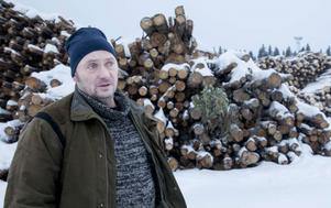 Steinar Mårtensson, virkesköpare på SCA i Hoting, konstaterar att många skogsägare har bekymmer efter stormarna i vinter.