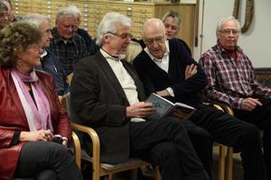 Flera av författarna i årets Hälsingerunor fanns på plats liksom redaktionskommittén.