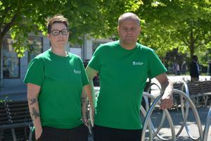Trygghetsvärdarna Sara Elf och Robert Lundqvist är på plats vid Navet i sommar.