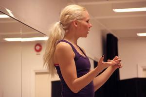 Hanna Rosén var till en början skeptisk till zumba. – Nu kallar jag det för den bästa rörelseformen, sa hon.