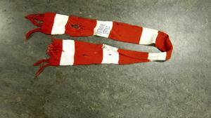 TIK-halsduken som användes som gitarrband Brända Barn.