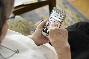 Äldre personer är en av de grupper som hamnar utanför digitaliseringen, menar Mikael Ek.