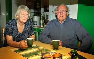 Kjell Söderström och hustrun Anita är inte förvånade över att Ockelbo kommun leder ligan när avgifterna för vatten, el, värme och sopor jämförs kommunvis.