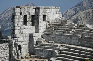 Jobbig väg. Till Termessos är det småjobbigt att ta sig, eftersom man måste vandra en bra bit i branta berg.