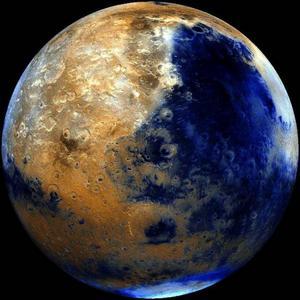 Mars ligger väldigt långt bort, men är samtidigt vår närmaste planet-granne.