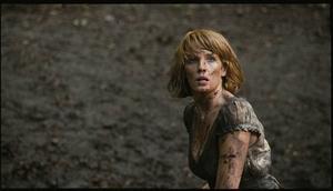 "Kelly Reilly i ""Eden Lake"". Hennes rollfigur Jenny hamnar  i en våldsspiral utan slut. Foto: Atlantic Film"