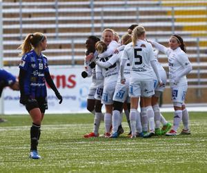 Det var Sundsvall som fick jubla mest på Jämtkraft Arena på lördagen. ÖDFF knockades med 4–1 och därmed säkrade Sundsvall nytt kontrakt i elitettan nästa säsong.