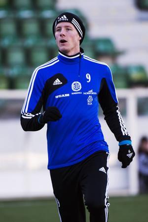 Johan Eklund är tillbaka och får möta sin gamla klubb på Norrporten Arena i eftermiddag.