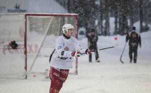 Snö lär det inte bli för Olov Englund och Kalix när Bollnäs kommer på besök på tisdagskvällen, men enligt SMHI:s väderrapporter blir det busväder över Kalix IP.