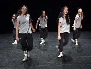 Stycket Homeless utsågs till Publikens val. Bollnästjejerna Isolde Söderqvist och Clara Persson har koreograferat och dansade sedan tillsammans med Frida Kratz, Caroline Björkman, Anna Berglund och Linnea Larsson.