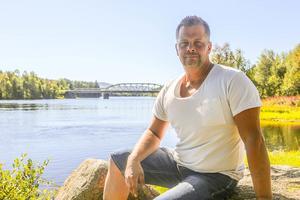 Lasse Floberg hade gett sig den på att paddla Ljusnan. Och han gjorde det också, trots inflammation i armarna och en bruten fot.