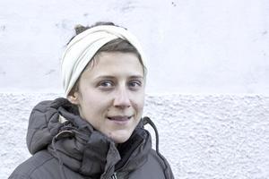 Ebba Hedenblad, 29, ingenjör på ABB, centrum: – Jag drömde i natt att jag räddade min bror som jagades av någon. Jag var med hans levande jag och försökte rädda hans döende jag.