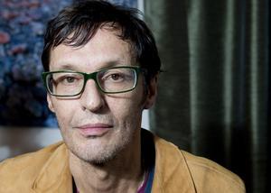 Olle Ljungström spelar på Peace & Love 2013.