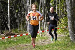 Hanna Eriksson, Team Nordic Trail följs av Johan Bogfors.