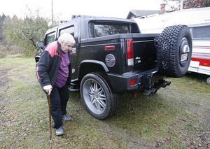 Stig Gustavsson är mycket nöjd med sin Hummer H2. Den har all lyx, och är skön att åka. Helt enkelt.