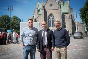 Per-Åke Sörman (C), Kenneth Handberg (S) och Lennart Bondeson (KD) svara på en debattartikel av Karolina Wallström (L).