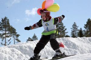 Sjuårige Felix Alsand, Stockholm, i sitt tävlingsåk.