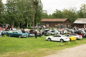 Det var närmare ett 70-tal bilar som var med i utställningen på Hembygdsgården. Publikmässigt var det drygt 300 personer som kom dit.