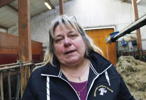 Lotta Zetterlund är glad att man äntligen hittat foder utan soja och palmolja.