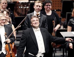 Vem skriver musiken? Inte enbart män, men det är fortfarande männens musik som finns på symfoniorkestrarnas repertoarer.