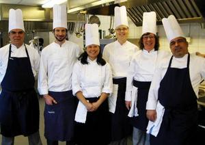 Avlagd examen 3 april vid Lernias kockutbildning. Från vänster: Jason Toerien, Christos Kostarelos, Lisa Källström, Anna Karin Karlsson, Yvonne Klinga och Walai Ezzeldin.