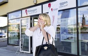 Även Carina Akterhag på Riksbyggen, som säljer nyproducerade lägenheter, har märkt av en prisökning.