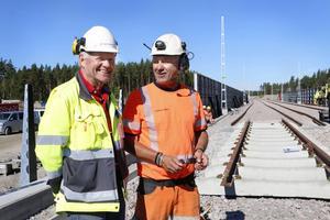 Krister Johansson, projektledare vid Trafikverket tillsammans med Kalle Olsson, arbetsledare på Infranord.