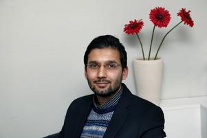 Hamed Abbasi har egna erfarenheter av att vara ny i Sverige.  Han hoppas att fler ska vilja hjälpa de ensamkommande flyktingungdomar som finns i Norrtälje.