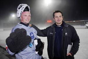 Med tränaren Peter Törnberg efter en stormatch med Edsbyn på Studenternas.