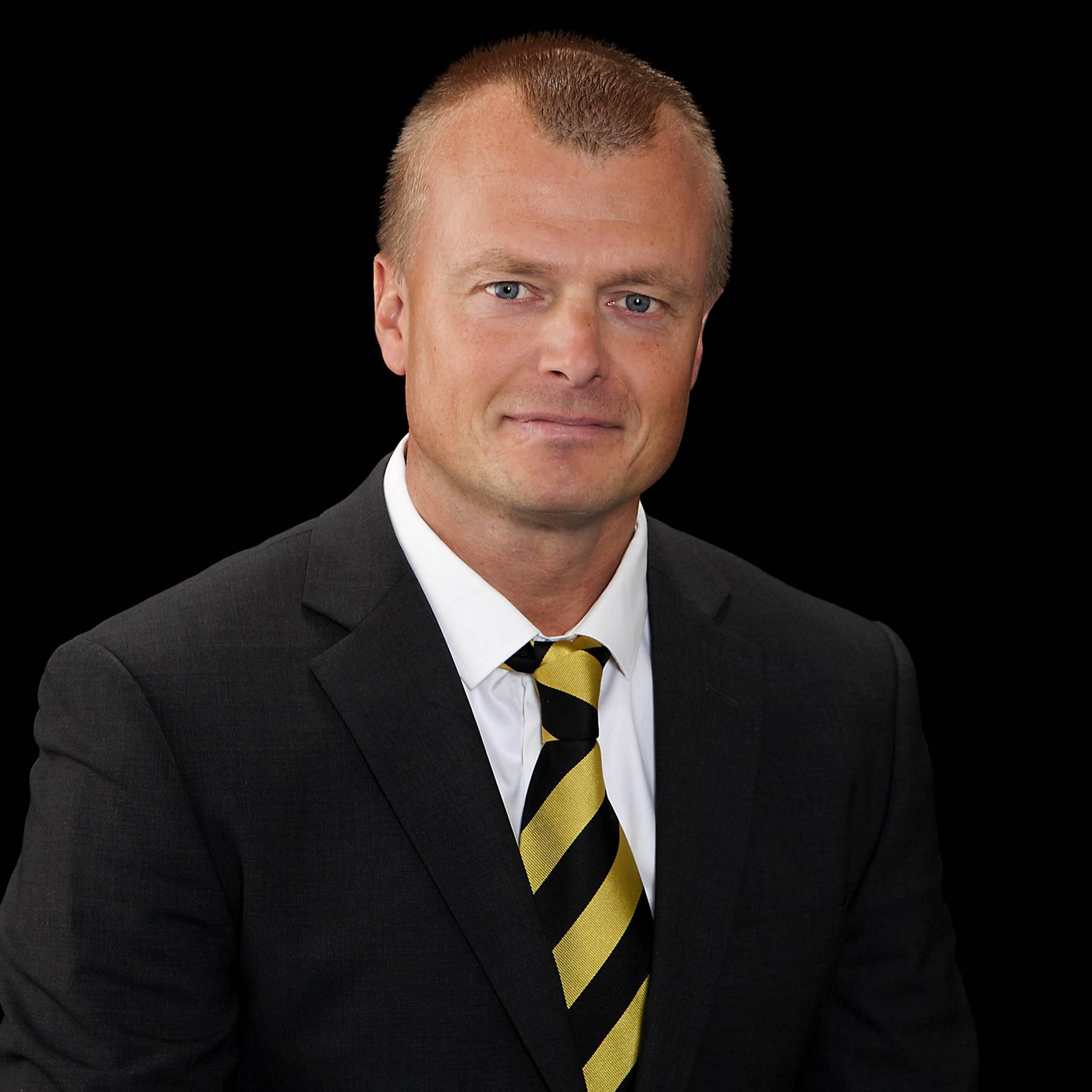 Gozzi slutar som sportchef